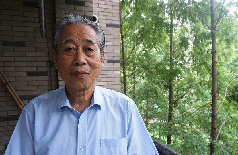 Wang Shancai at his home in Wuhan, Hubei province, Aug. 6, 2016. Feng Jiayun/Sixth Tone